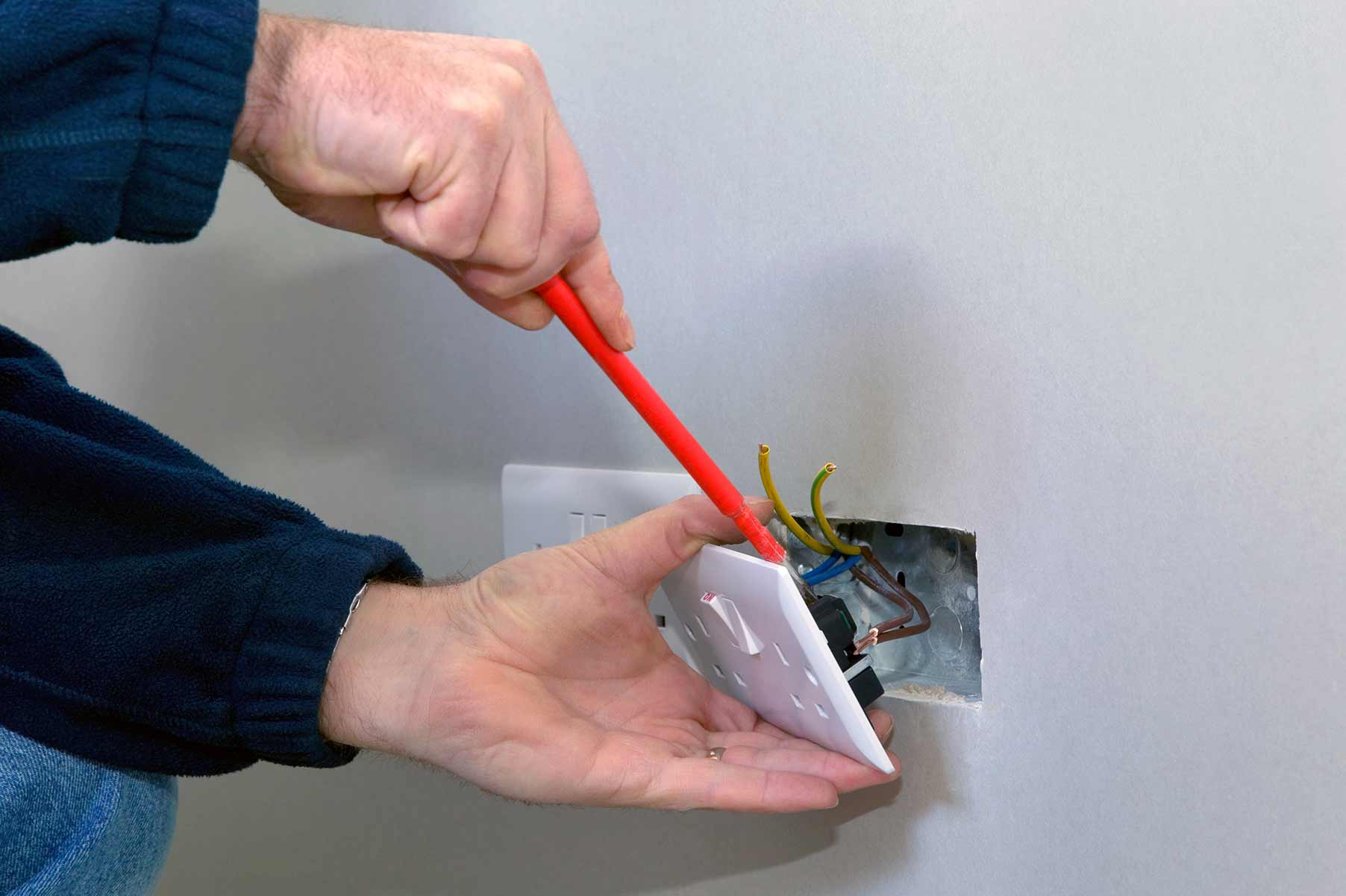 Our electricians can install plug sockets for domestic and commercial proeprties in Hampstead and the local area.